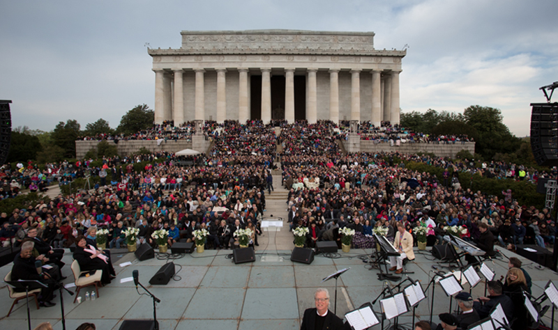 37th Annual Easter Sunrise Service at the Lincoln Memorial
