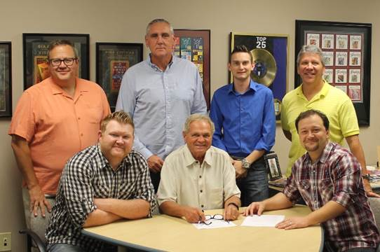 Master's Voice Signs Agreement with Sonlite Records
