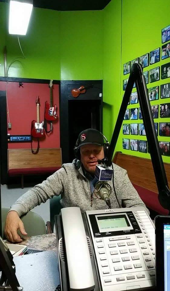 Johnny Rowlett On HLE Radio
