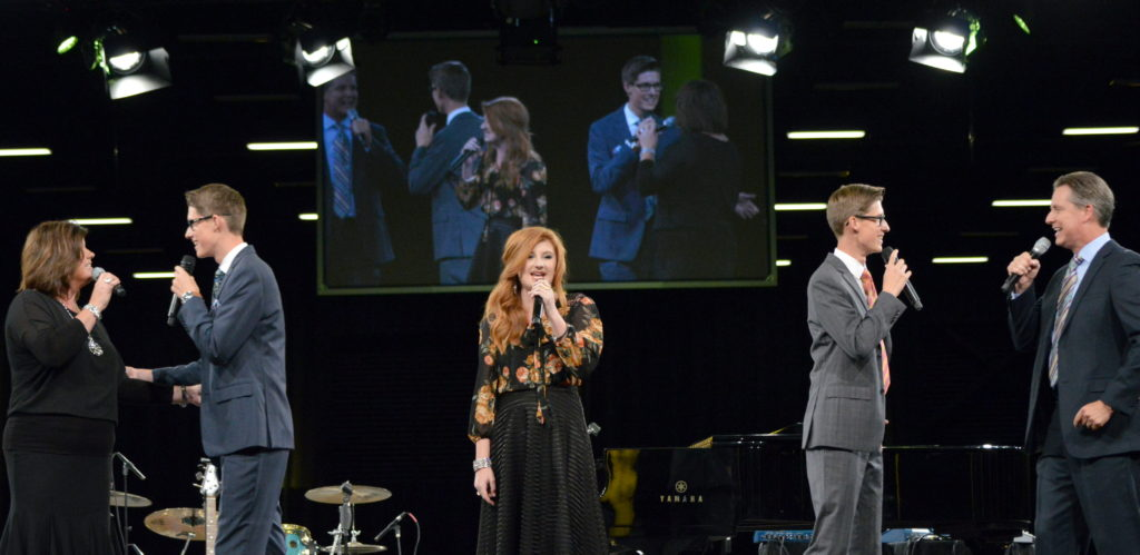 The Hayes Family performs at NQC 2017