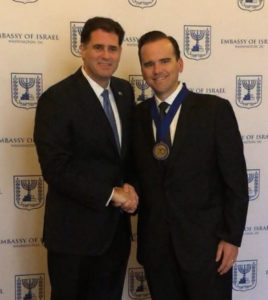 Pastor Matt Hagee (r) and Israeli Ambassador to the U.S. Ron Dermer at the Embassy of Israel in Washington, D.C.