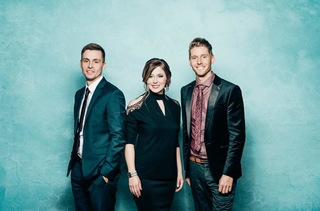 "Beyond the Song: the Taylors sing ""I Pray Every day"""