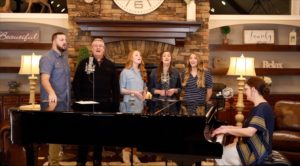THE COLLINGSWORTH FAMILY PARTNERS WITH SAMARITAN'S PURSE TO BRING HOPE AND HEALING TO A WORLD IN NEED